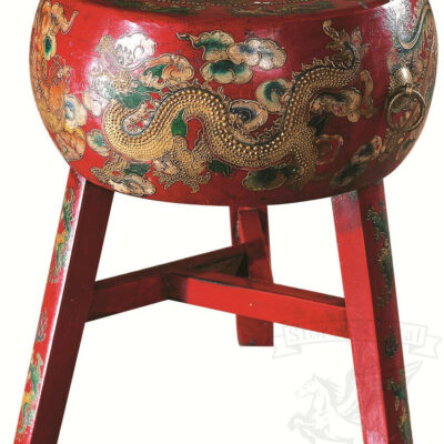 barnyj stul v kitajskom stile s tradicionnym risunkom