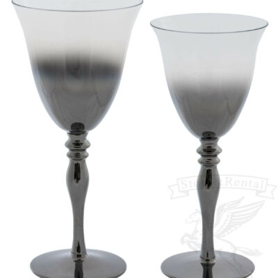 bokaly dlya vina i shampanskogo dymchatye s gradientom s zolotym obodkom na dlinnoj nozhke kilian v prokat