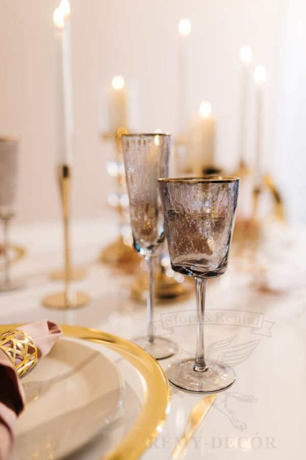 bokaly dlya vina i shampanskogo s zolotym obodkom remi decor