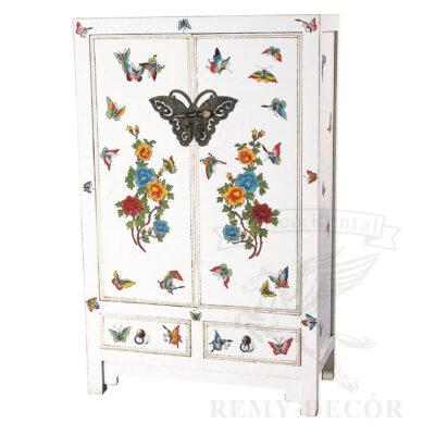 Шкаф из дерева в белом цвете в китайской традиции