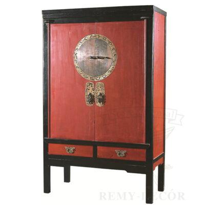 shkaf iz dereva v krasno chernom cvetom v kitajskom stile