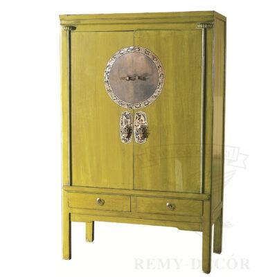 Шкаф из дерева в оливковом цвете
