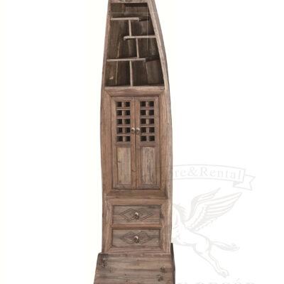 starinnyj shkaf s vydvizhnymi yashhikami v vide lodki vostochnyj stil