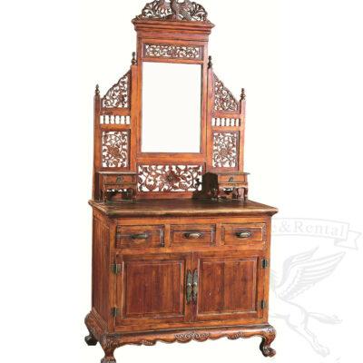 starinnyj tualetnyj stolik iz dereva s gnutymi nozhkami reznoj ornament v vostochnom stile