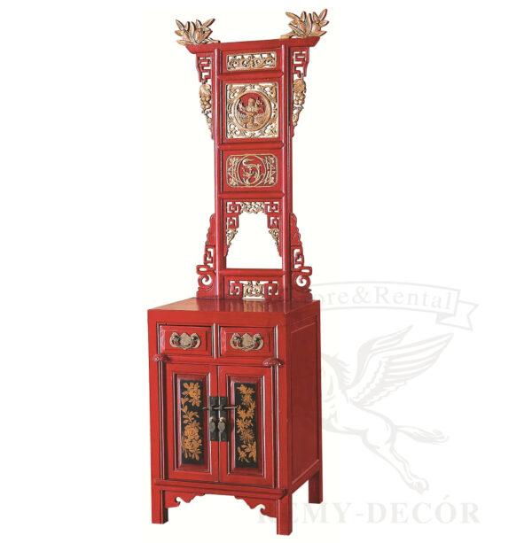 tualetnyj stolik iz dereva v krasnom cvete s reznym ornamentom v kitajskom stile