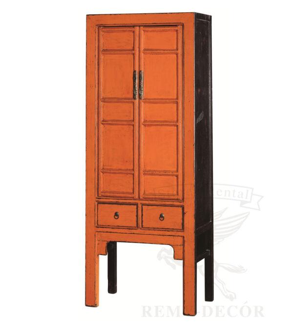 shkaf v strogom dizajne oranzhevo chernogo cveta iz naturalnogo dereva s raspashnymi dvercami i vydvizhnym yashhikom vysokie nozhki v kitajskom stile