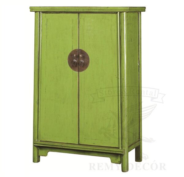 shkaf v zelenom cvete iz naturalnogo dereva s raspashnymi dvermi v kitajskom stile min