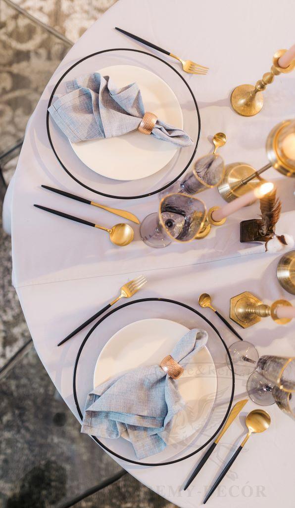 servirovka stola v cherno zolotom cvete tarelka s chernym obodkom remi decor
