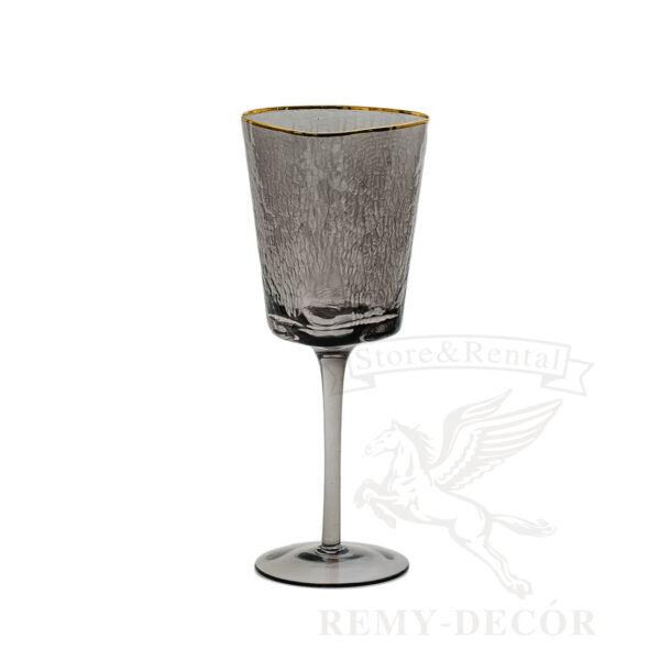 fuzher dlya vina iz temnogo stekla i zolotym obodkom