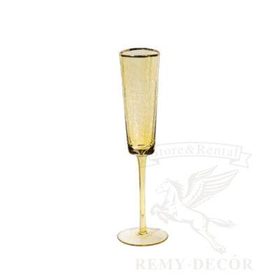 steklyannyj yantarnyj bokal dlya shampanskogo shfranogo cveta